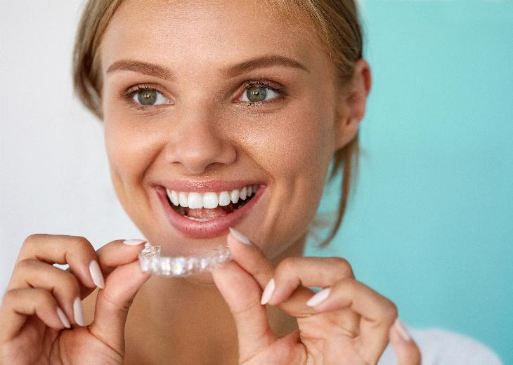 thumbnail of Professional vs. DIY Teeth Whitening: Which to Choose