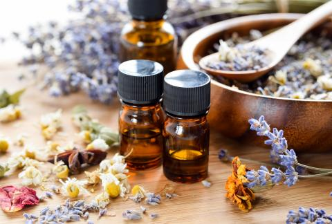 square of Explore the Benefits of the Different Oils Used in Aromatherapy