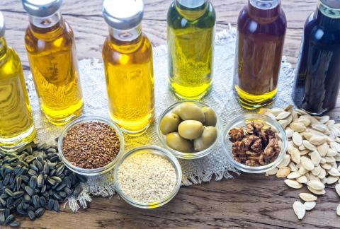 square of Examining the Various Healthiness of Cooking Oils