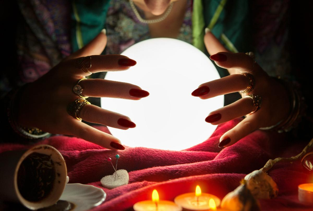 banner of The Surprising Health Benefits of Psychic Readings
